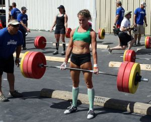 crossfit-girl-Laura-Plumley